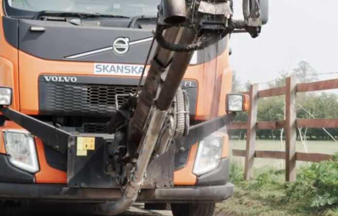 Video | Skanska's 'Dragon Patcher' cuts pothole repair cost by 81%