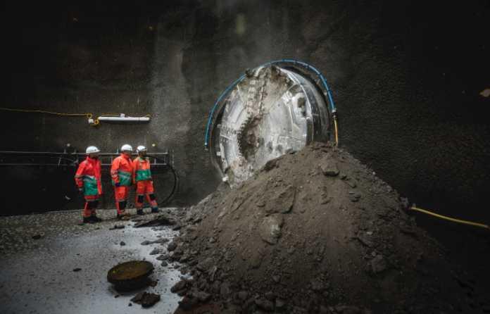 Video: TBM machine breaks through on London super sewer