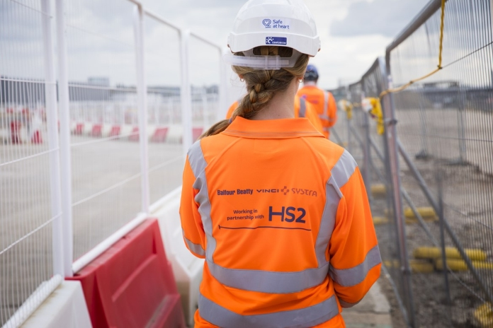 HS2 facing £800m 'cost pressures'