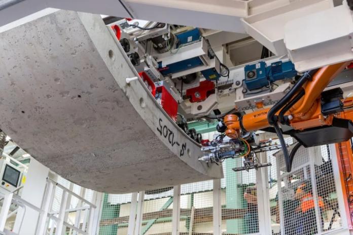 Video   Bouygues/McAlpine JV develops HS2 robot